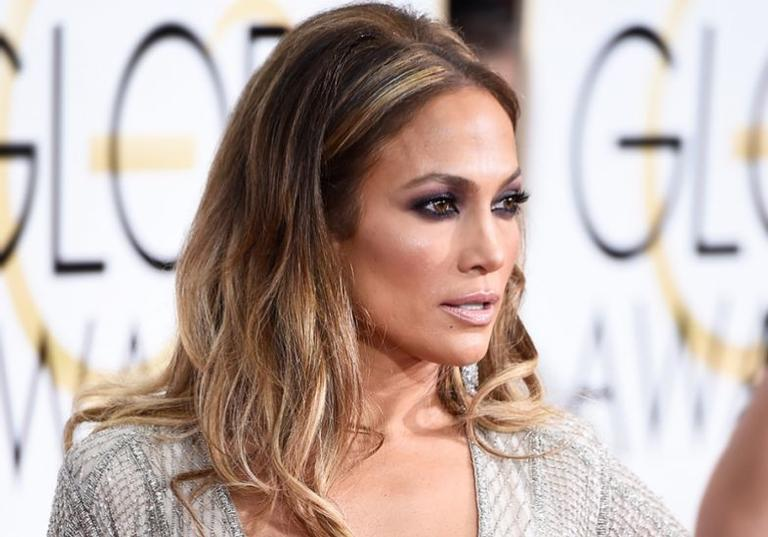 Jennifer Lopez: Aos 45, segura e pegadora!