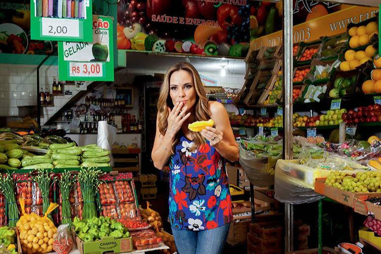 Ana Furtado comemora 20 anos de carreira na Globo, mas principalmente duas décadas de felicidade ao lado do marido, Boninho, com quem tem Isabella, de 9 anos