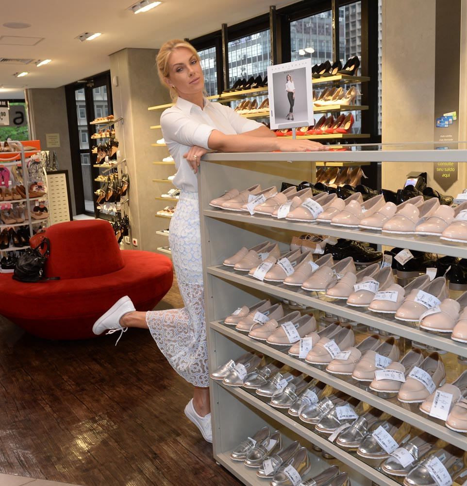 39f4d3a7019ad Ana Hickmann assina coleção cápsula para loja fast fashion   Contigo!