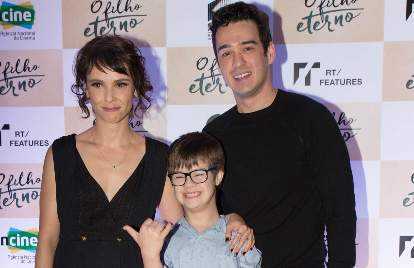 Débora Falabella, Marcos Veras e outros na pré-estreia de O Filho Eterno no Cinearte