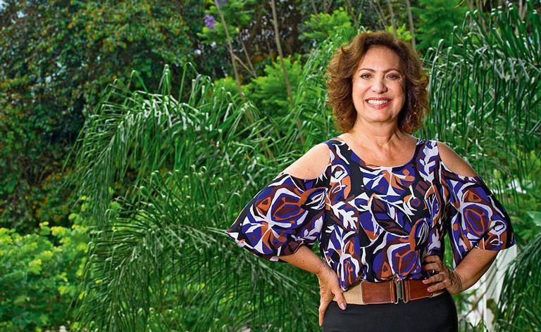 A atriz fala de sua parceria de sucesso com Luiz Fernando Carvalho e reflete sobre o passar do tempo, o amor e a família