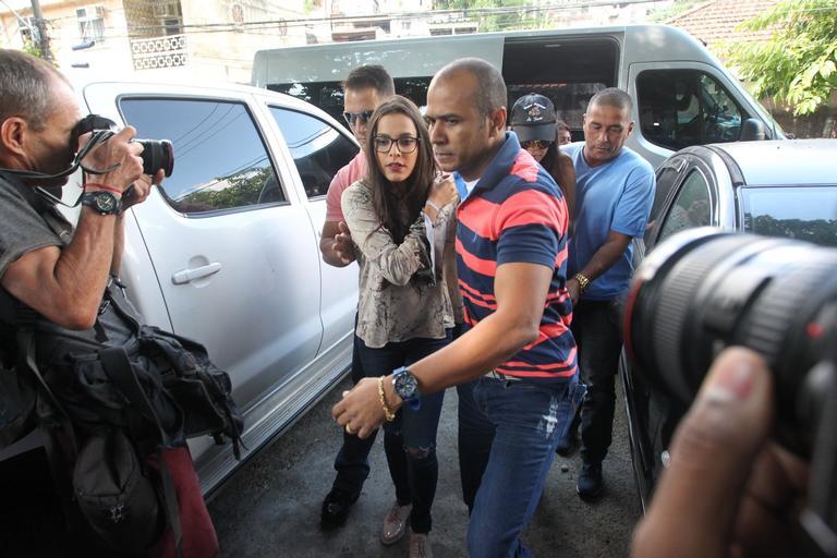 Emilly presta depoimento no Rio