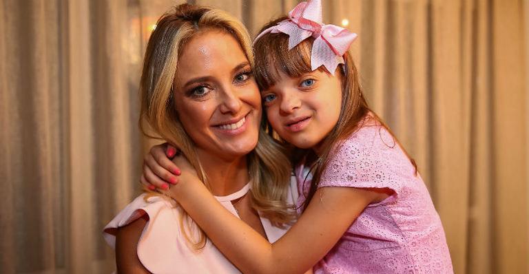 Ticiane Pinheiro participa de bate-papo sobre maternidade