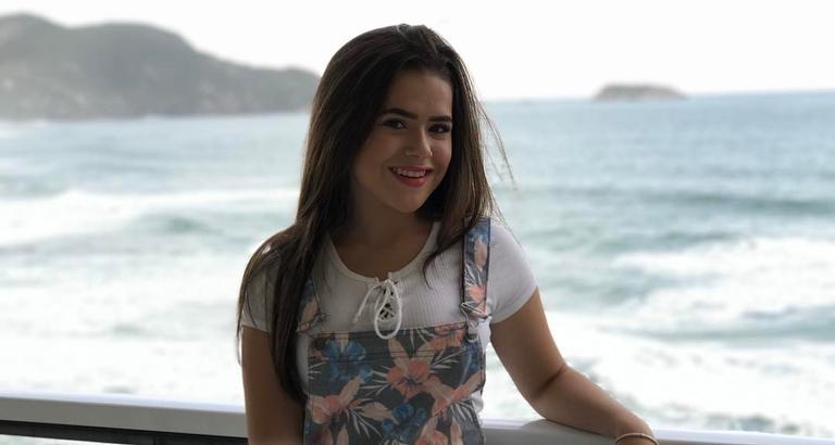 Maísa Silva completa 15 anos
