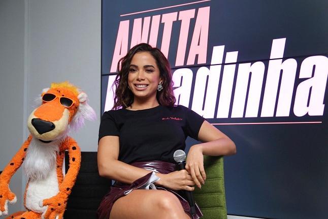 Anitta lança clipe da música 'Paradinha'