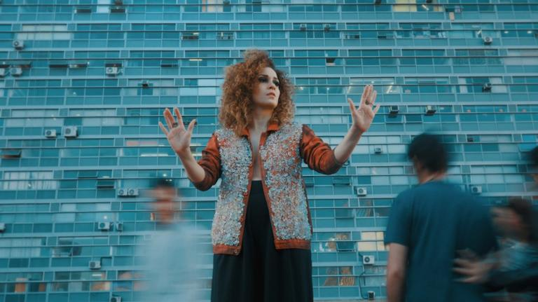 Com novo álbum, a cantora paraense estará no Coala Festival, em agosto, que contará também com Caetano Veloso e Emicida