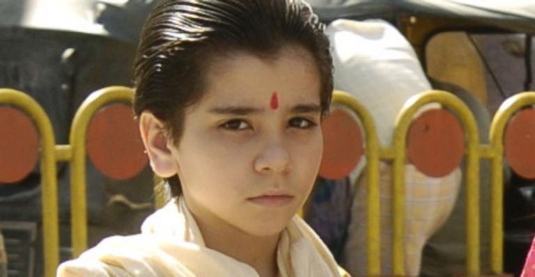 O jovem estreou na TV na novela 'Caminho das Índias', onde interpretava o personagem Amarit