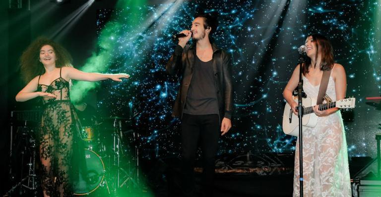A cantora Manu Gavassi e o rapper Projota também subiram ao palco na noite desta quarta-feira (22)
