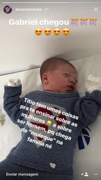 7c434360cdacf Nas redes sociais, o tio do recém-nascido, Alexandre Suita, compartilhou a  primeira foto do sobrinho.