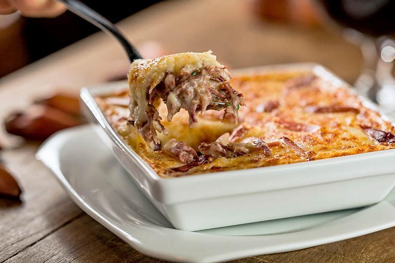 O Escondidinho de Carne Seca com Pinhão é uma sugestão do chef Justino da Silva, do Armazén Paulista