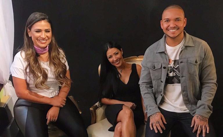 Nesta sexta-feira (4), as coleguinhas e o grupo lançam Fica, single composto por Simaria