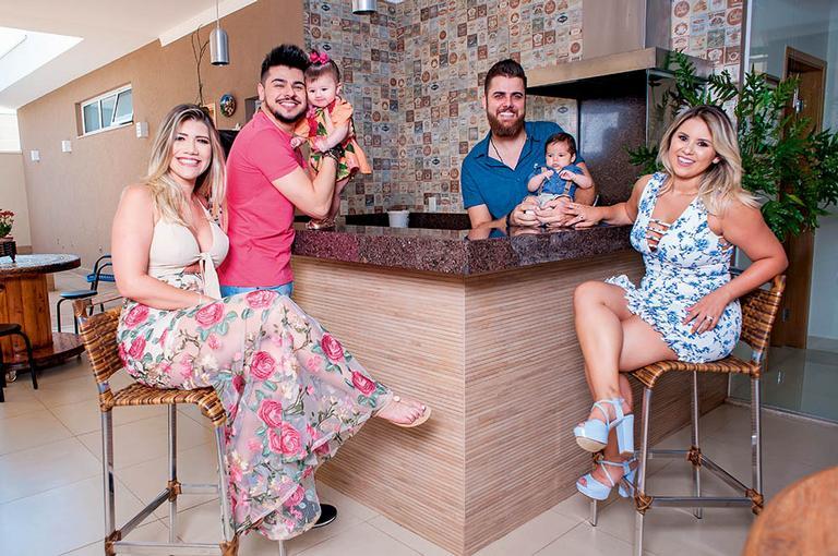 Zé Neto e Cristiano e família