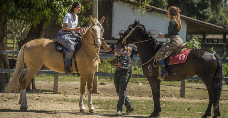 Bruna Marquezine e Marina Ruy Barbosa: preparação para 'Deus Salve o Rei'