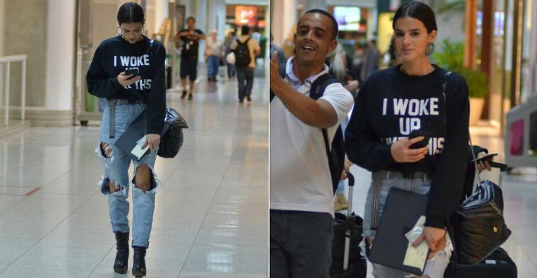 Fashionista até na hora de viajar! Bruna Marquezine desfila com look estiloso no aeroporto