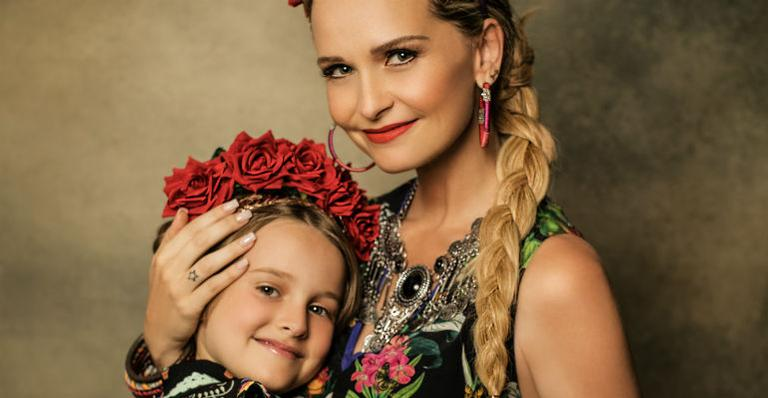 Fernanda Rodrigues e a filha participam de ensaio de moda