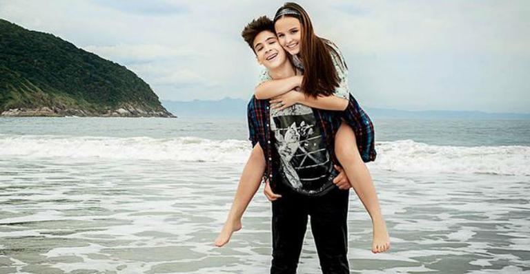 João Guilherme relembra namoro com Larissa Manoela