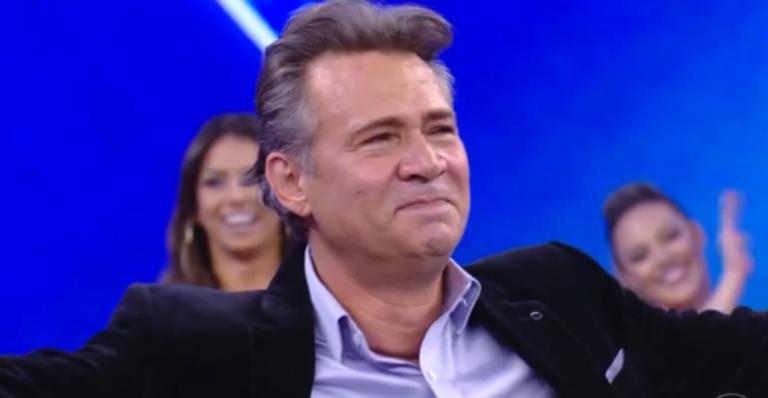 Nelson Freitas vai às lágrimas no 'Domingão do Faustão'