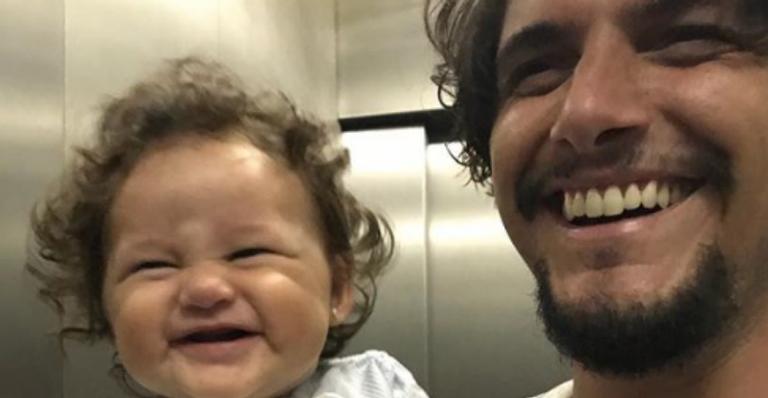 Bruno Gissoni e a filha