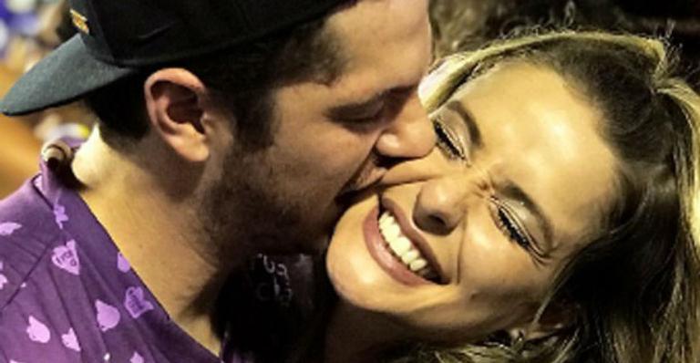 Caio Paduan assume romance com DJ em pleno carnaval