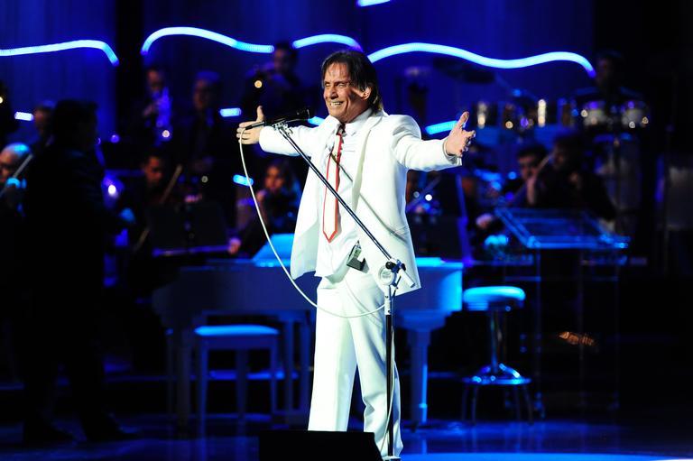 Quem já teve a honra de cantar ao lado de Roberto Carlos?