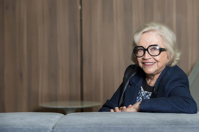 Com mais de 60 anos de carreira, a atriz solta o verbo quando o assunto é a cultura atual, durante entrevista exclusiva