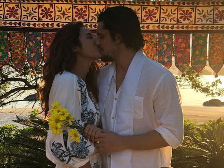 Bruno Gissoni e Yanna Lavigne se casam em segredo