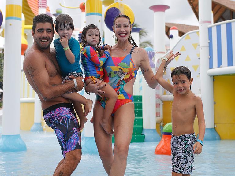 Luana Piovani curte o nordeste com a família