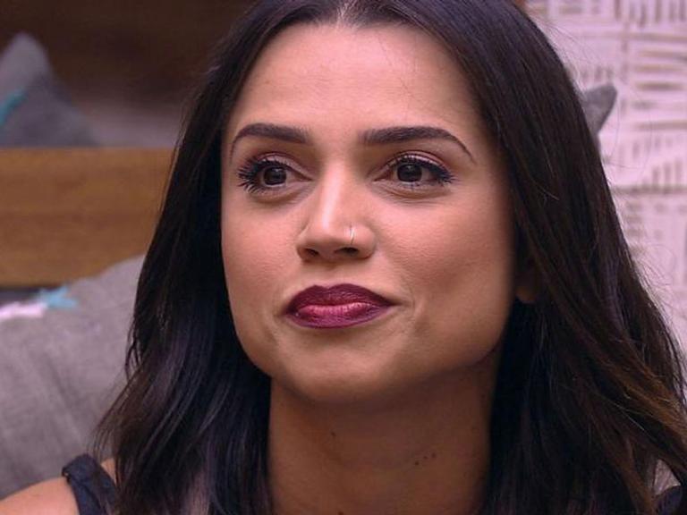 Paula Amorim muda o visual e aparece loira: 'Amei'