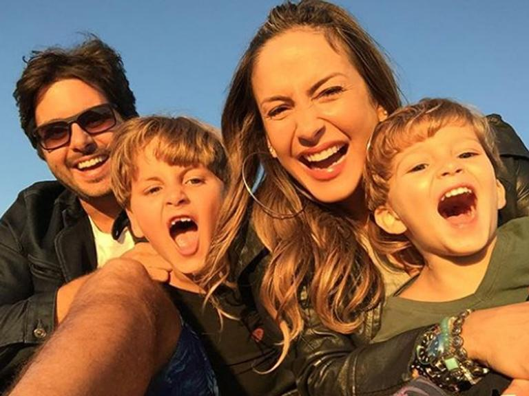 Claudia Leitte reúne toda a família em foto rara
