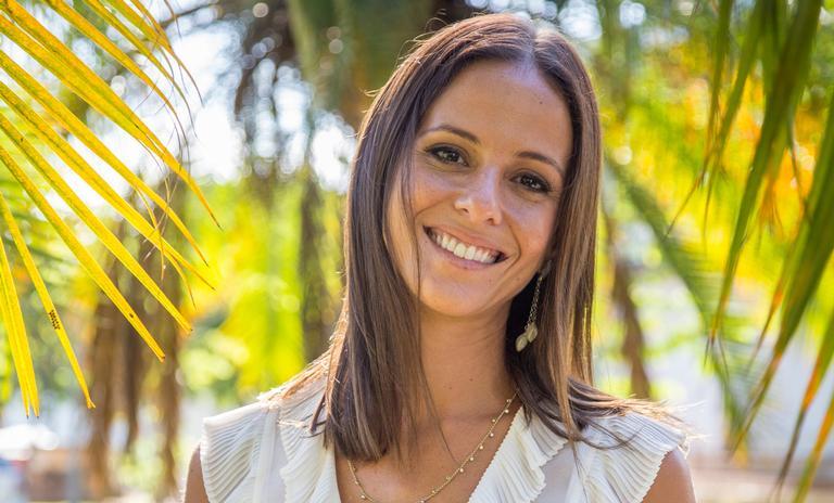 Fernanda de Freitas platina o cabelo para próxima novela