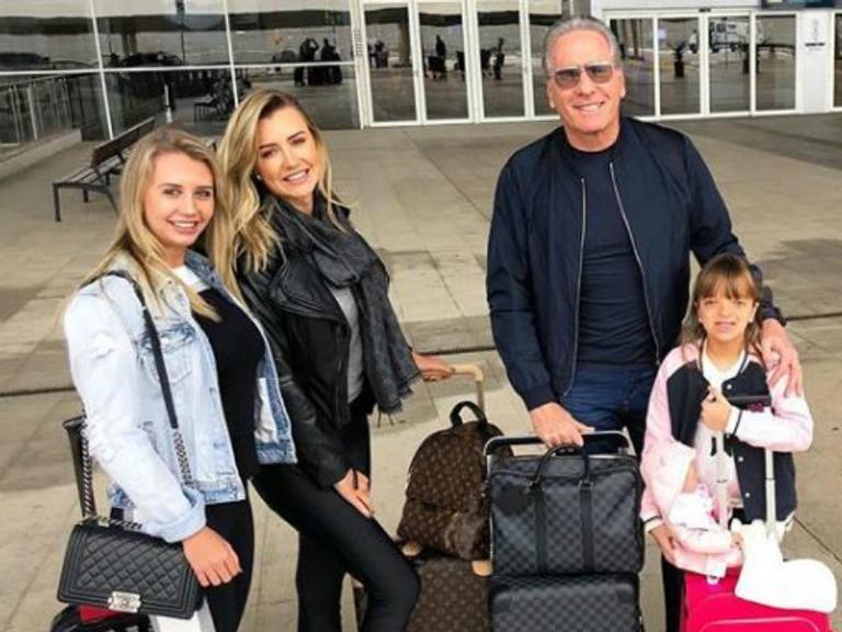 Roberto Justus curte férias com filha