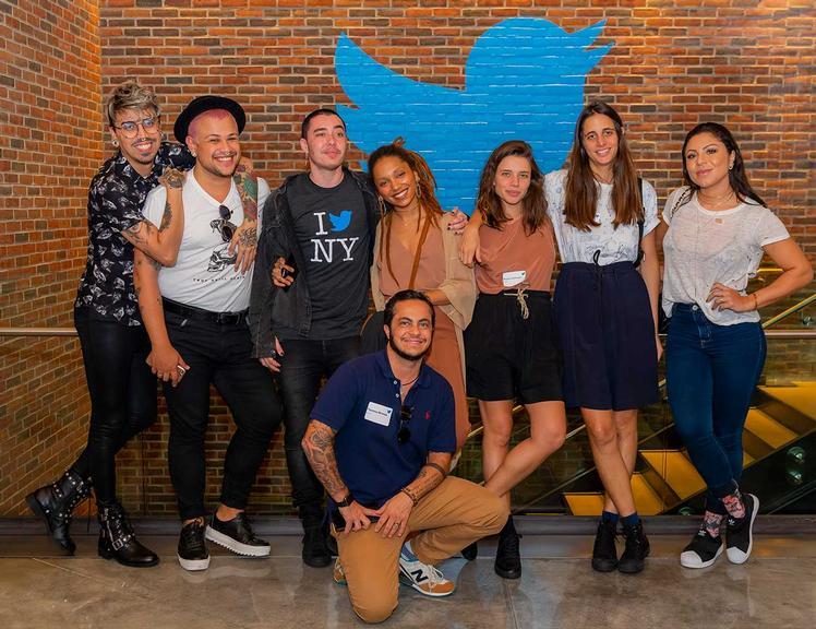 No dia seguinte à Parada LGBT, o grupo participou de uma conversa sobre diversidade nas redes sociais, na sede do Twitter, em NY, e ainda ganhou mimos