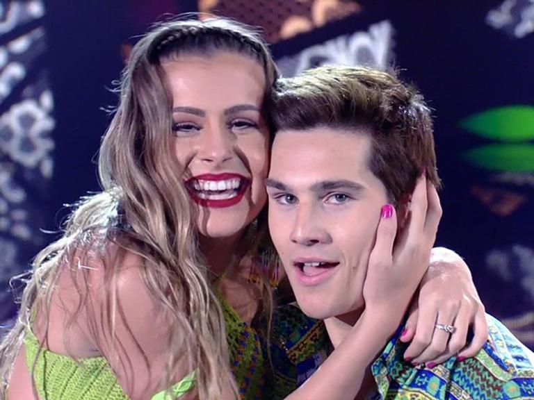 Bailarina do Faustão deixa de seguir Nicolas Prattes
