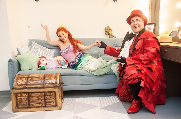 Tiago Abravanel e Fabi Bang contam suas referências para o musical A Pequena Sereia