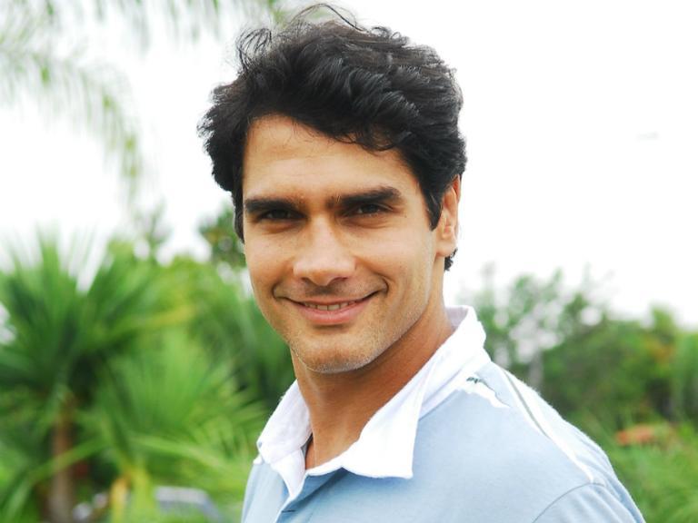 Lembra dele? Ex-galã da Globo, Rafael Calomeni estreia sua segunda Web Série