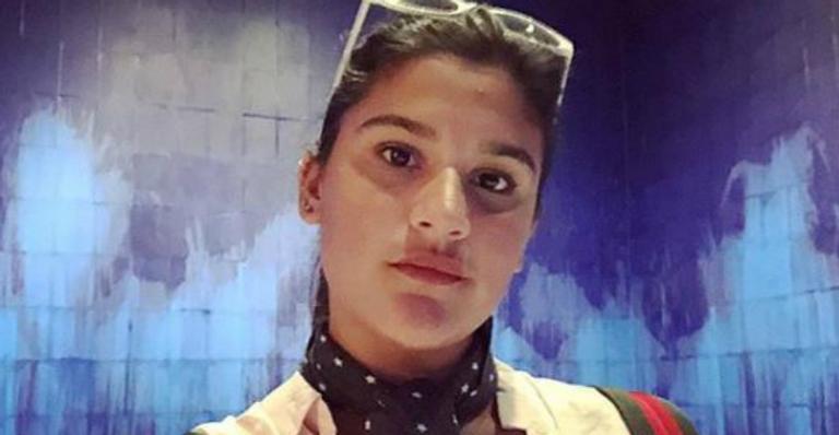 Giulia Costa emociona seguidores com homenagem ao pai falecido, Marcos Paulo