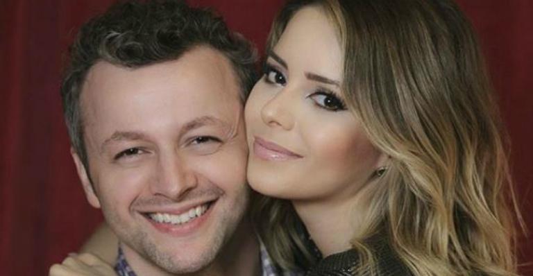 Sandy se declara para marido, Lucas Lima, e celebra 10 anos de casamento