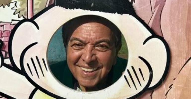 Sorridente, Maurício de Sousa festeja visita ao Parque da Mônica em Portugal
