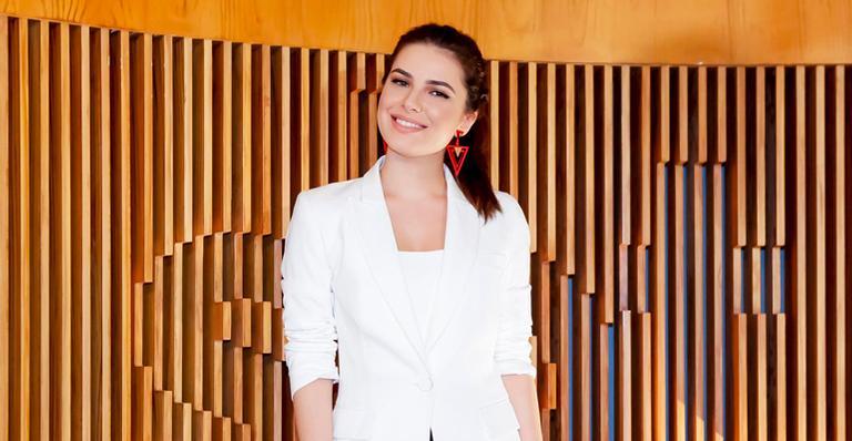 Iris Abravanel explica a sua decisão de substituir a atriz ao longo de 'As Aventuras de Poliana'