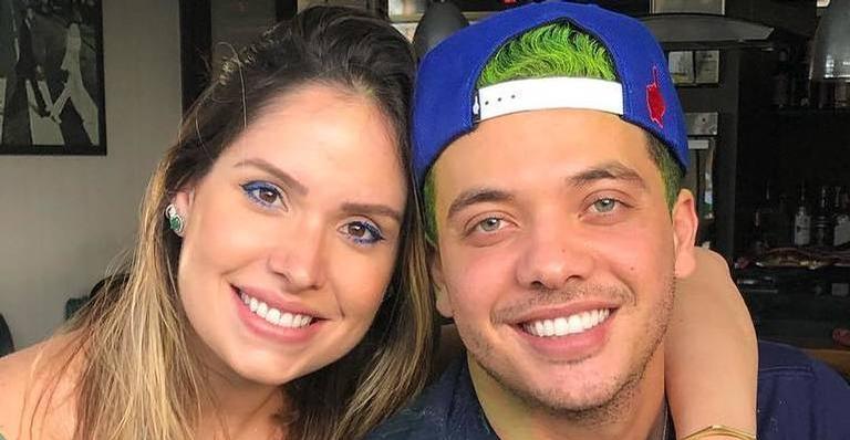 Mulher de Wesley Safadão deixou a maternidade com o bebê e fez a revelação nas redes sociais
