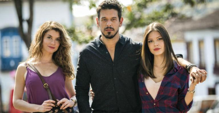 Alinne Moraes, João Vicente de Castro e Vitória Strada: triângulo amoroso