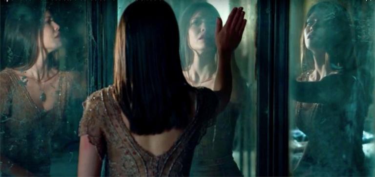 Vitória Strada e os espelhos das vidas de Cris e Júlia