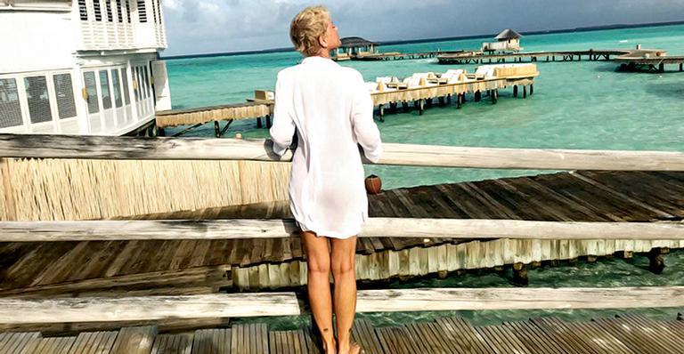 Xuxa Meneghel passa perrengue em voo sem comida vegana: ''Falta de consideração''