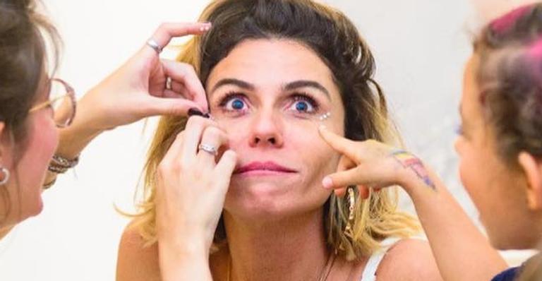 Giovanna Antonelli faz festa para as filhas gêmeas