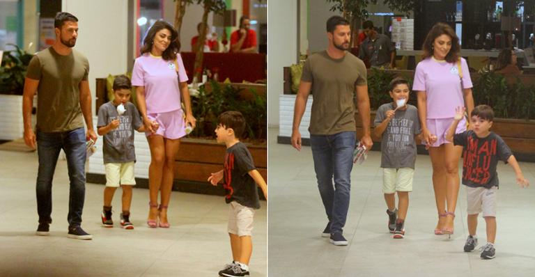 Prestes a voltar para a TV, atriz se diverte com a família no Rio de Janeiro