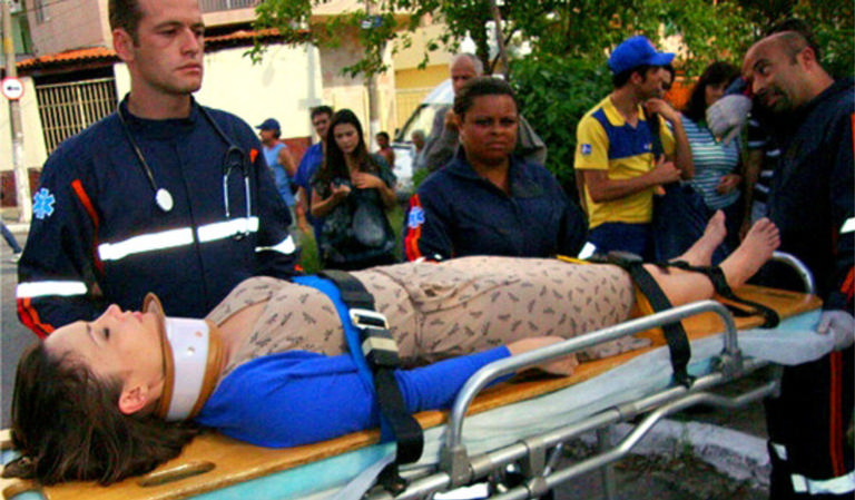 Helena fica muito mal após o acidente