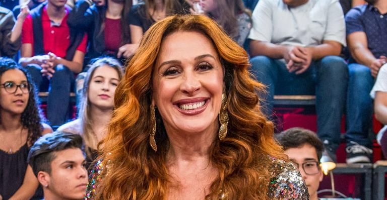 Filho de Claudia Raia invade rede social da atriz e faz surpresa: