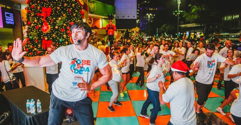 Reginaldo Sama, da Dança dos Famosos, reúne fãs em aulão em São Paulo