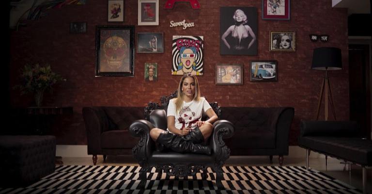 Anitta em cena de seu documentário