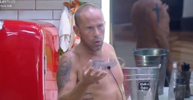 Peão criticou a conduta dos rivais no jogo em conversa franca